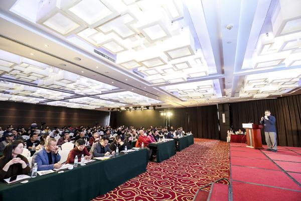 颜丹晨主持中国儿童少年电影学会颁奖礼 13部获奖作品胜出